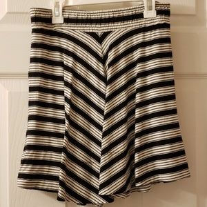 Dresses & Skirts - Loft| Black and White Striped Flowy Skirt